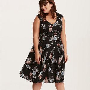 Torrid Floral Print Pleated V-Neck Dress size 26